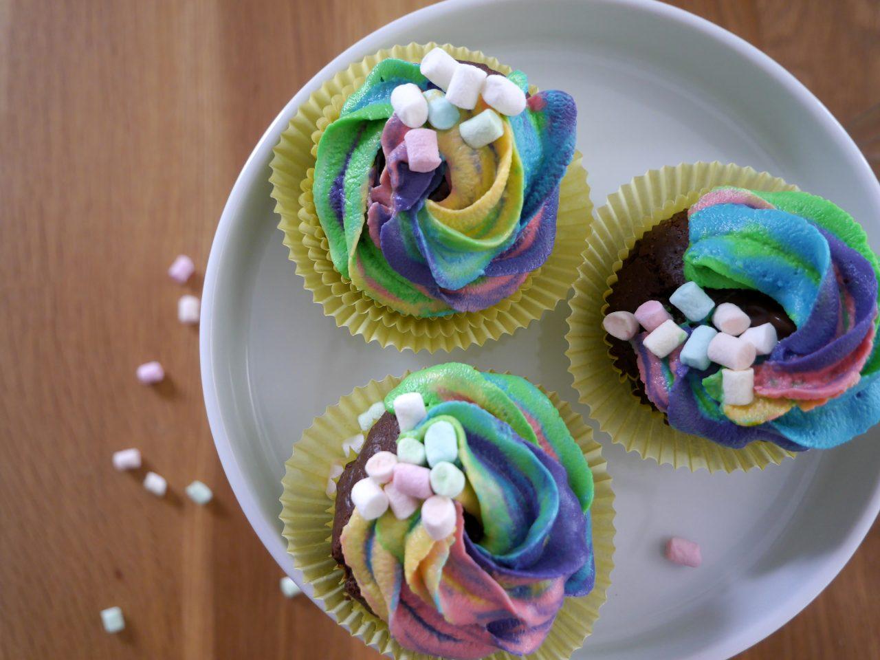 köln beste, rezept, kuchen, regenbogen cupcakes