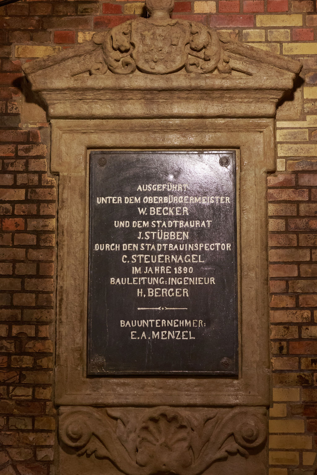 Gedenktafel im Kronleuchtersaal