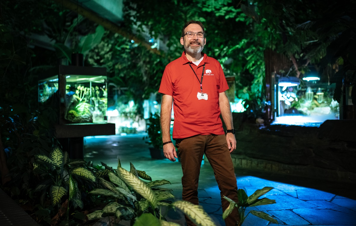 Günter Goetz ist ehrenamtlicher Zoobegleiter. Er wohnt und arbeitet in der Eifel, doch die Zootiere sind seine Leidenschaft.