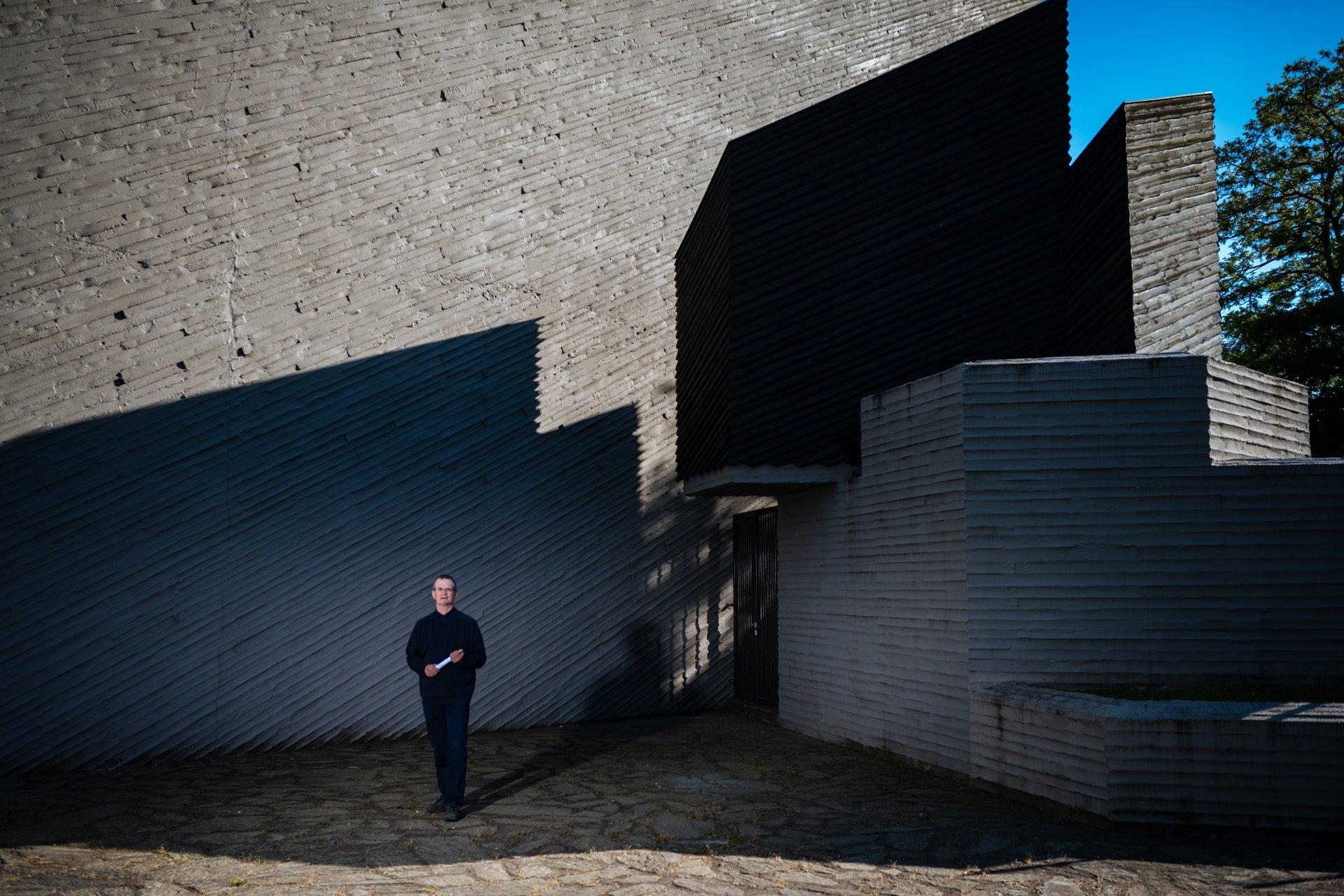 Markus Melchers vor der Kulturkirche Ost in Köln