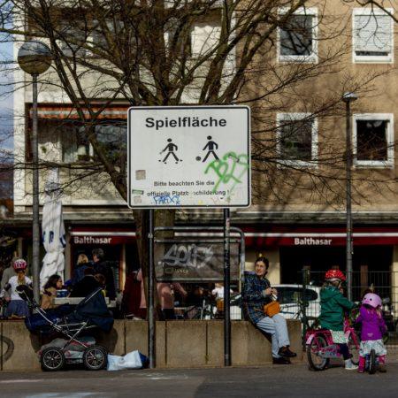 Für Kinder findet sich in Sülz an zahlreichen Ecken ein Platz zum Spielen.
