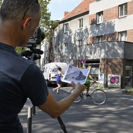 Der Fotograf testet ein weiteres historische Köln-Motiv.