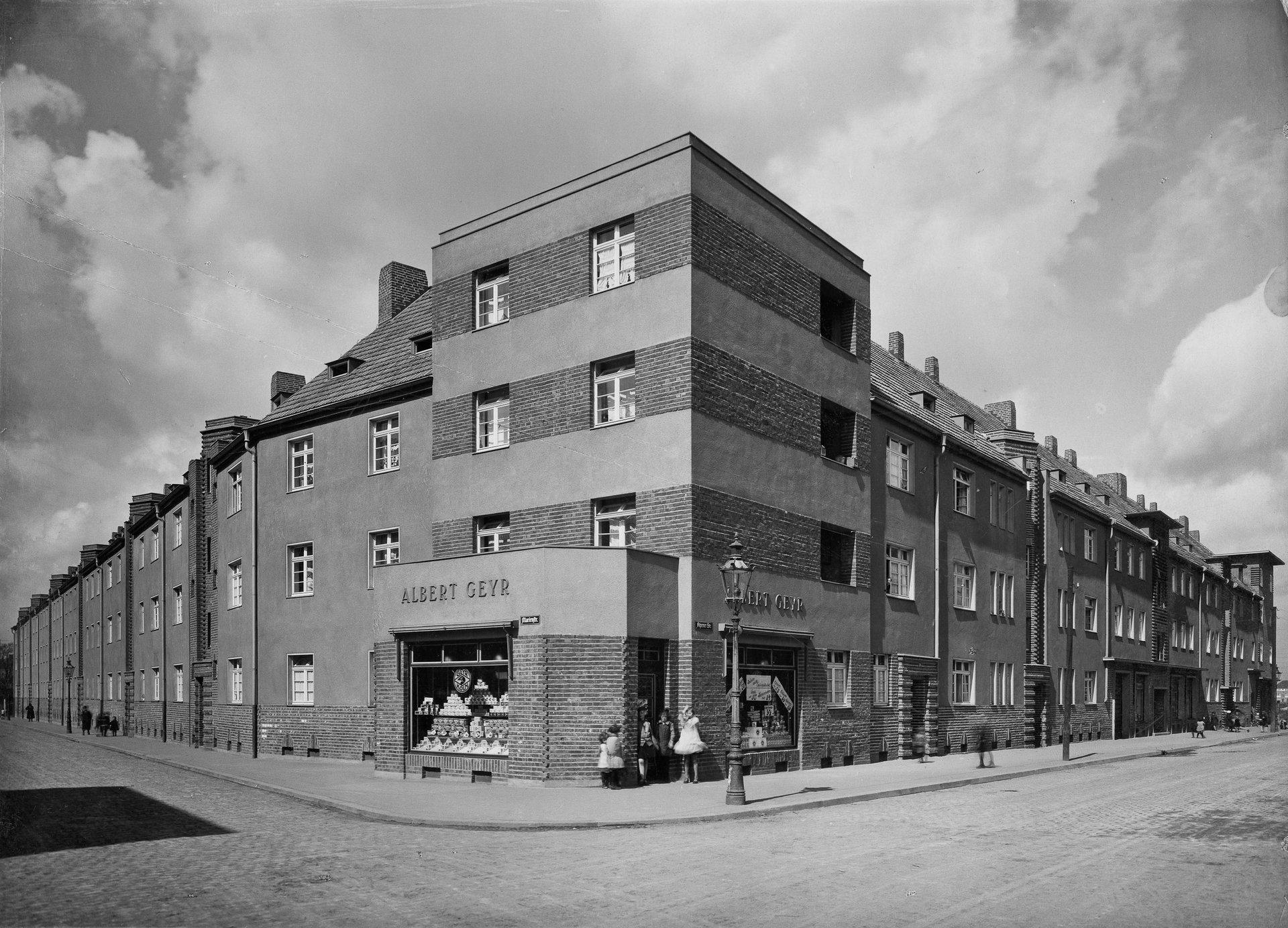 Historisches Bild von einer Straße in Köln-Ehrenfeld